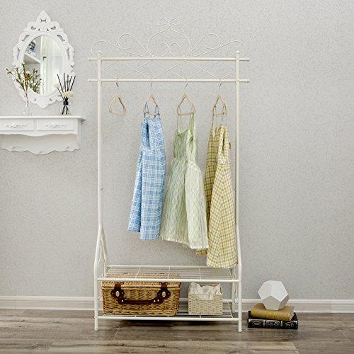SONGMICS Kleiderständer im Vintage-Stil Garderobenständer mit Kleiderstange und 2 Ablagen aus Metall 92 x 173 x 41 cm (B x H x T) Cremeweiß HSR07W